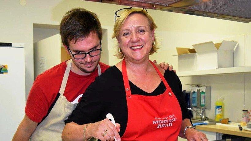 Kochen mit links trotz Behinderung