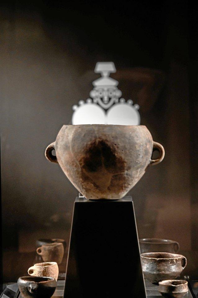 Tönerne Gefäße gehören zu den zahlreichen Artefakten, die auf Sardinien entdeckt wurden.