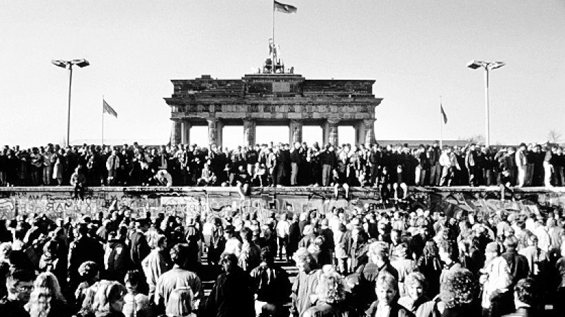 michail gorbatschow kritisiert die sed berliner mauer berliner morgenpost. Black Bedroom Furniture Sets. Home Design Ideas