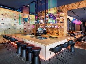 Neu-Entdeckung an der Mommsenstraße: Das Restaurant The Catch im Stil eines japanischen Wirtshauses.