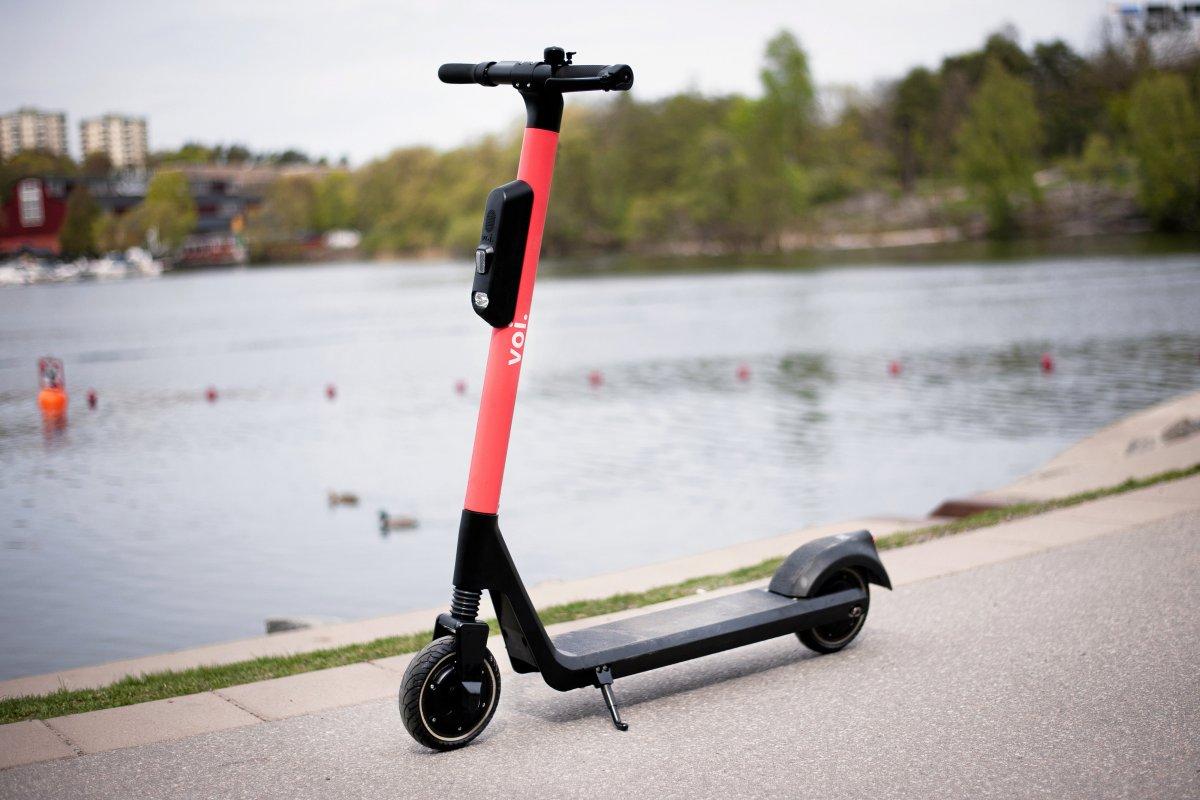 Firma Voi stellt E-Scooter auf Steglitzer Straßen bereit