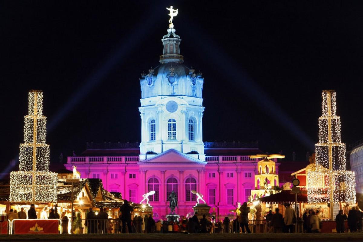Weihnachtsmarkt Schloss Charlottenburg.Weihnachtsmarkt Vor Dem Schloss Charlottenburg Berlin Aktuell