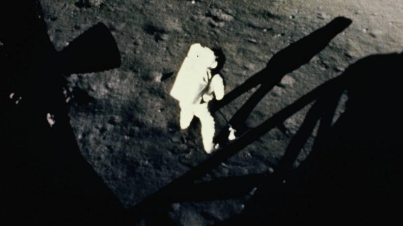 Was Neil Armstrong Auf Dem Mond Wirklich Gesagt Hat Vermischtes