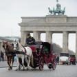Pferdekutschen am Brandenburger Tor