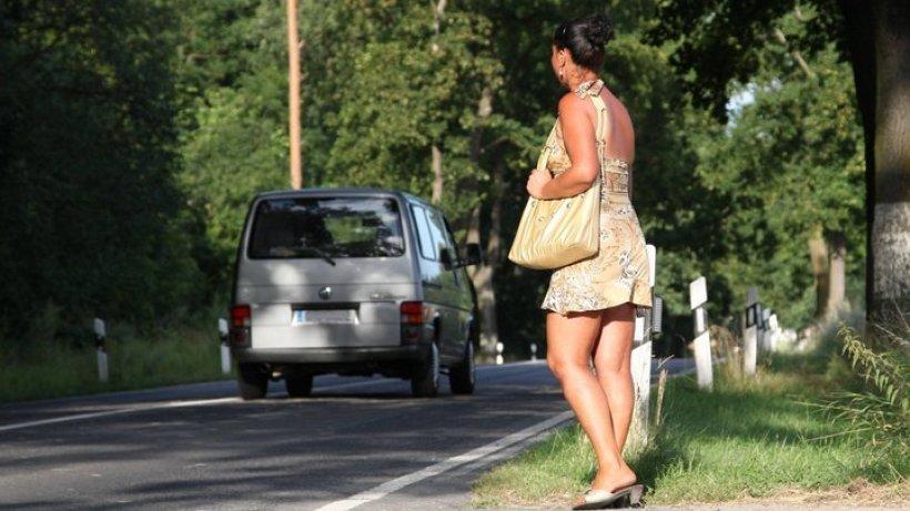 Straßenstrich auf der B1 empört Dorfbewohner - Brandenburg