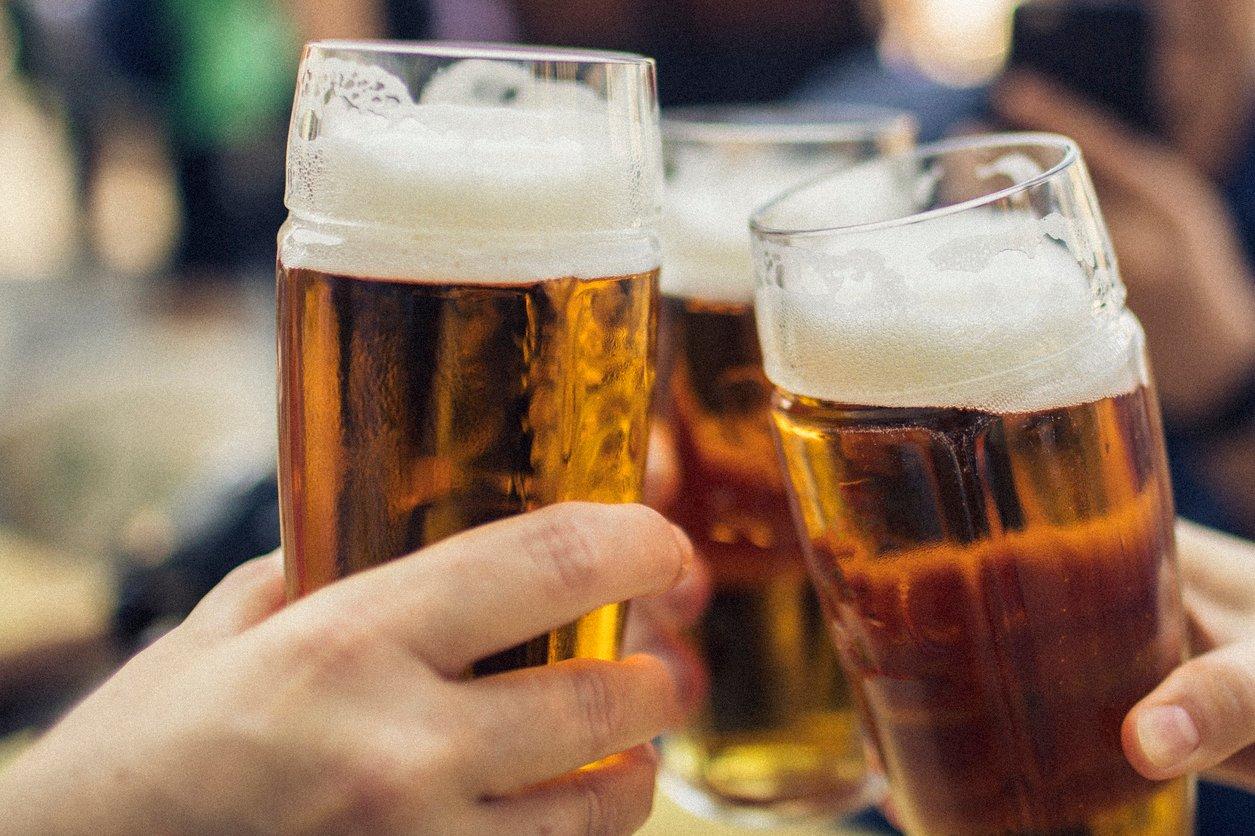 Ein kühles Bier gehört in Prag dazu