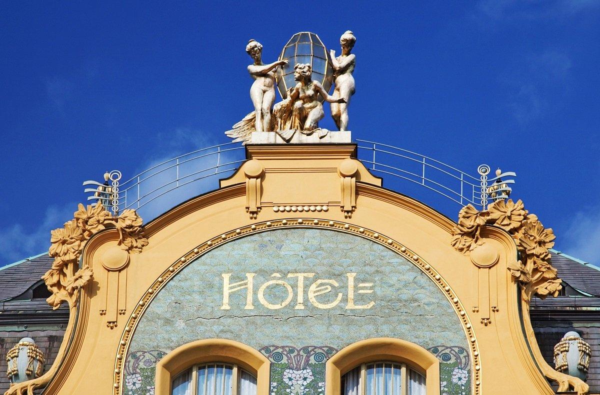 Das Hotel Erzherzog Stephan am Wenzelsplatz heißt heute Grand Hotel Europa. Hier hat Franz Kafka zum ersten und einzigen Mal gelesen