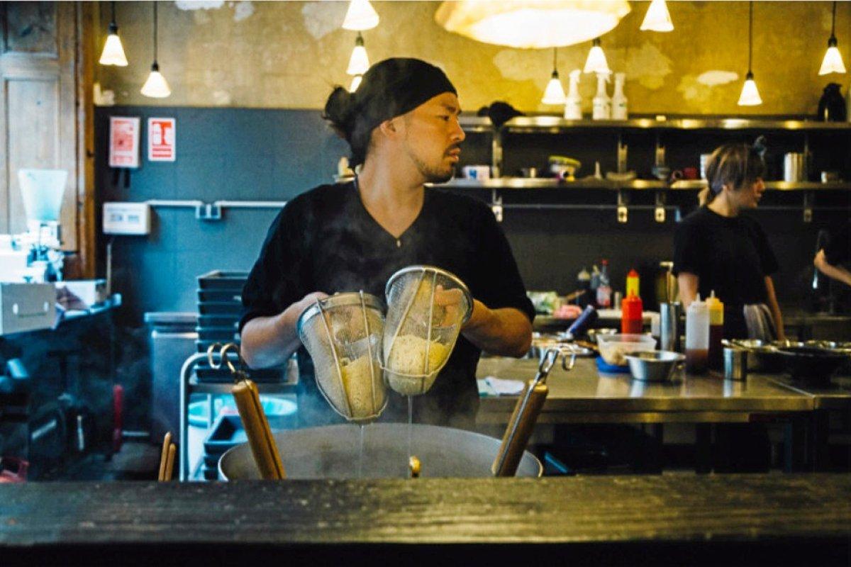 """Essen in Berlin-Kreuzberg: Berlins beste japanische Nudelsuppe serviert """"Cocolo Ramen"""""""