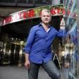 Muss langfristig auf eine Bühne verzichten: Martin Woelffer, Direktor des Theaters und der Komödie am Kurfürstendamm