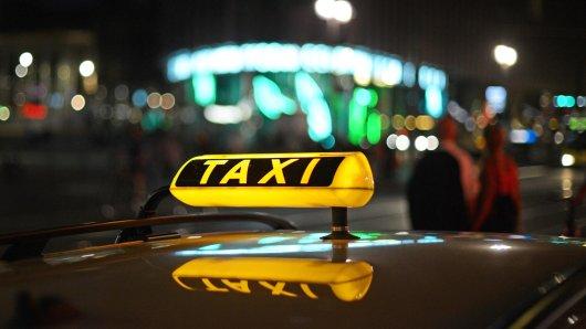 Taxi wartet in Berlin