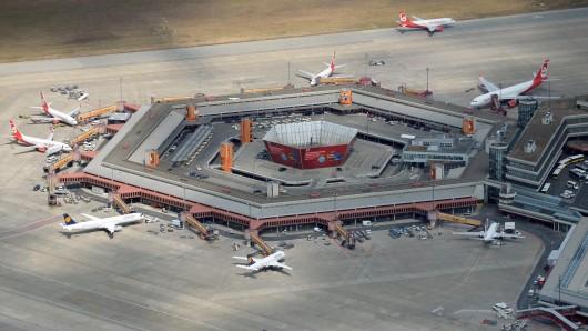 Der Flughafen Berlin Tegel aus der Luft. Die Fluggesellschaften müssen seit Jahreswechsel höhere Gebühren entrichten