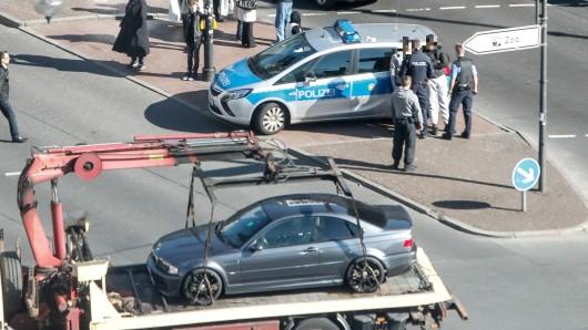 Ebenfalls ins Visier der Fahnder geriet ein Jaguar Cabrio mit Tübinger Kennzeichen.