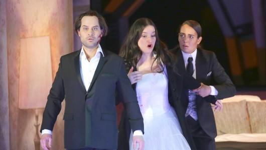 Bejun Mehta (l-r, Orfeo), Anna Prohaska (Euridice) und Nadine Sierra (Amor)