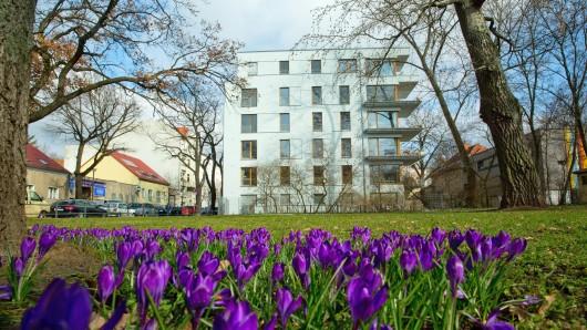 Blick auf Neubauwohnungen in der Großen Seestraße. Der Stadtteil Weißensee in Berlin ist als Trendbezirk im Kommen