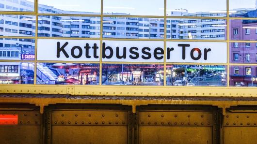Gewalt, Kriminalität und Angst sollen die Gegend rund um das Kottbusser Tor beherrschen. Was steckt hinter dem Mythos Kotti?