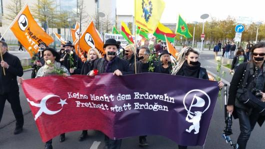 Die Demo der Berliner Piraten am Freitag in Berlin