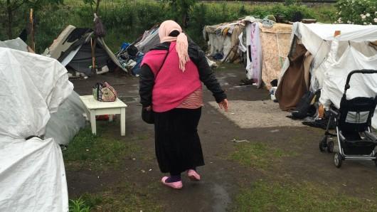Noch immer halten sich Menschen in dem Camp an der Heilbronner Straße auf