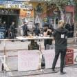 Unterstützer der Rigaer 94 nach einem Gerichtsentscheid vor dem Gebäude
