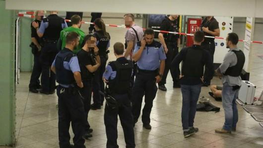 Am U-Bahnhof Alexanderplatz wurden nach einer Schlägerei vier Männer festgenommen