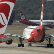 En Flieger von Air Berlin am Flughafen Tegel