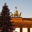 Die Beleuchtung des Weihnachtsbaums am Brandenburger Tor ist am 1. Advent auf dem Pariser Platz eingeschaltet worden.