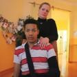Sonja Prinz und ihr Sohn Benjamin:  Nun bittet auch die Polizei um Hinweise zu dem rassistischen Angriff Ende November