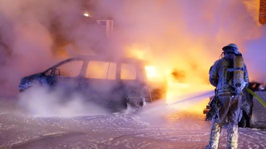 Laut Polizei haben Brandstifter in Berlin im vergangenen Jahr 372 Autos angezündet