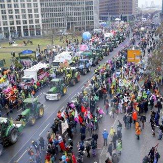 Die Demonstration Wir haben es satt zieht durch Berlin