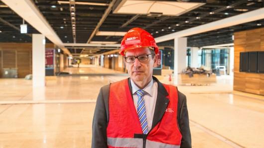 Flughafenchef Karsten Mühlenfeld soll gehen. Er geriet zuletzt wegen der Beurlaubung von Technik-Chef Jörg Marks in die Kritik