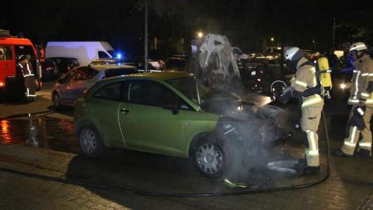 An der Wiener Straße brannte in der Nacht dieser Kleinwagen aus