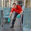 Täglich sind mehr als 200 Reinigungskräfte unterwegs, um die S-Bahn-Wagen in Berlin zu reinigen