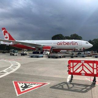 Eine Maschine von Air Berlin in Tegel