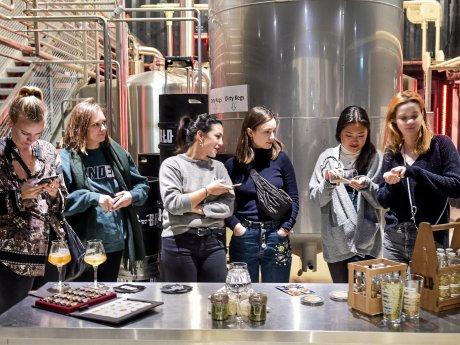 Bierverkostung im BRLO BRWHOUSE