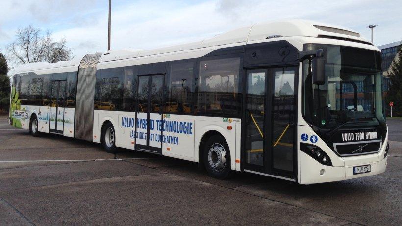 bvg testet erstmals hybrid bus auf der txl linie berlin aktuelle nachrichten berliner. Black Bedroom Furniture Sets. Home Design Ideas