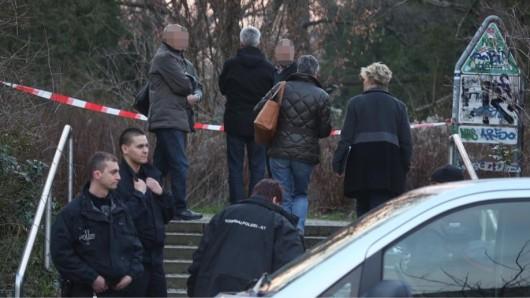 Auf einem ehemaligen Friedhof an der Ruschestraße in Lichtenberg ist ein totes Baby gefunden worden.