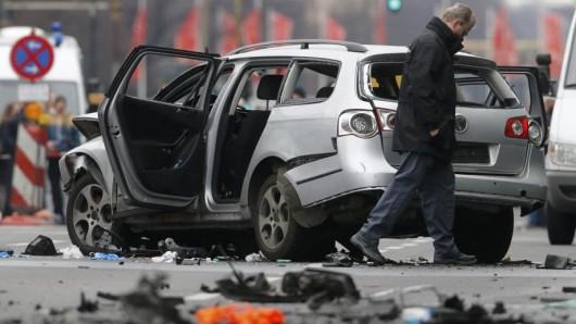 City West: Ein Auto ist in Berlin-Charlottenburg explodiert, ein Mann starb.