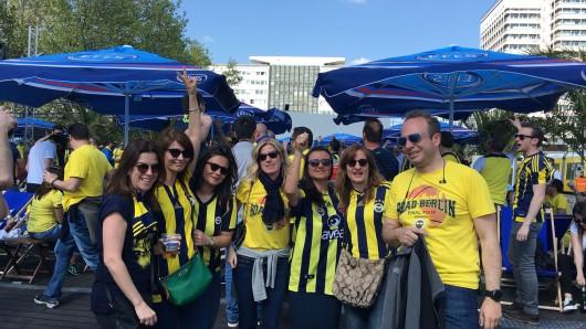 Am Freitag bevölkern Basketball-Fans aus aller Welt Berlins Innenstadt