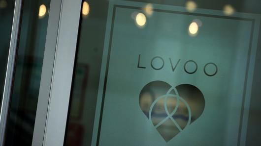Das Firmenlogo des Dating-Portal Lovoo. In den Dresdner Geschäftsräumen des Dating-Portals hat es einen Polizeieinsatz gegeben.