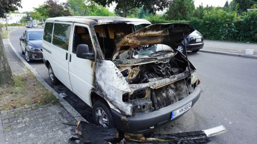 Gegen 0.25 Uhr alarmierte ein Autofahrer die Berliner Feuerwehr.