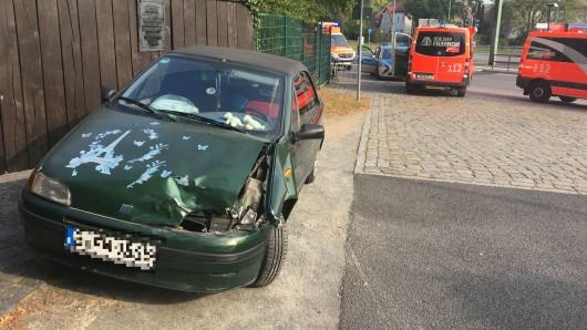 Das Auto hingegen wurde stärker getroffen beim Unfall. Eine Person wurde zudem verletzt.