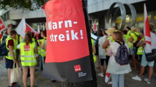 Verdi-Gewerkschafter protestieren in Berlin