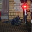 Eine 22-jährige Bewohnerin des Hauses an der Prenzlauer Allee entdeckte die Flammen.