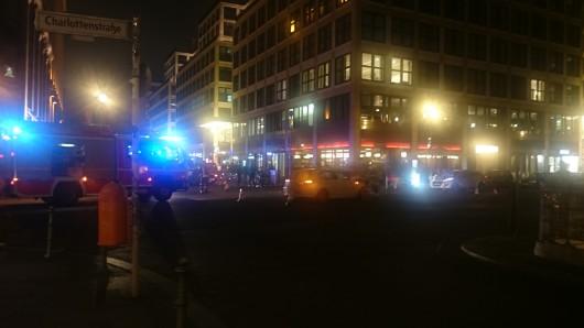 Bei dem Unfall am Gendarmenmarkt wurden zwei Personen verletzt