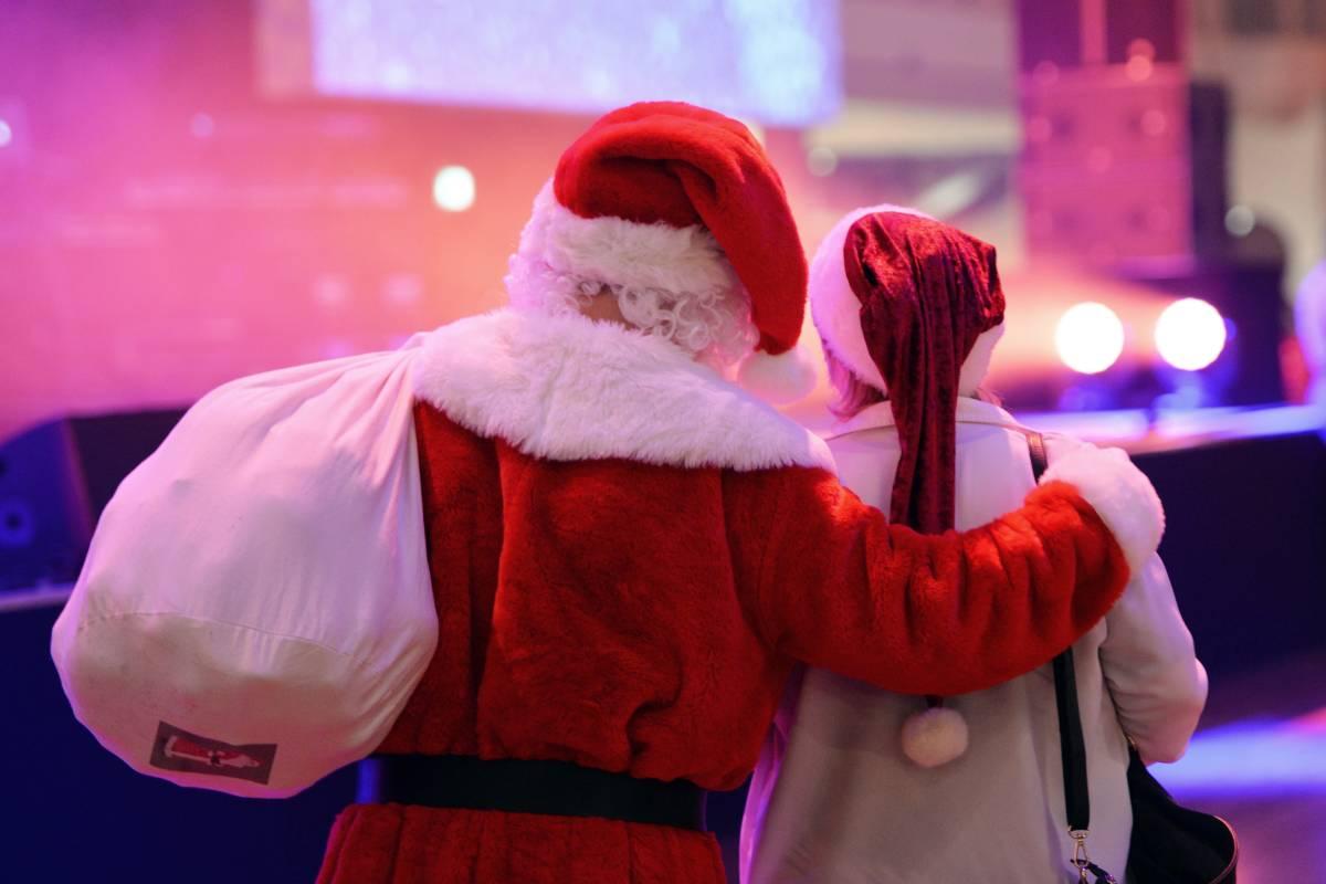 Alkohol Weihnachtsfeier.Weihnachtsfeier Der Benimm Knigge Für Den Chef Berlin Aktuelle