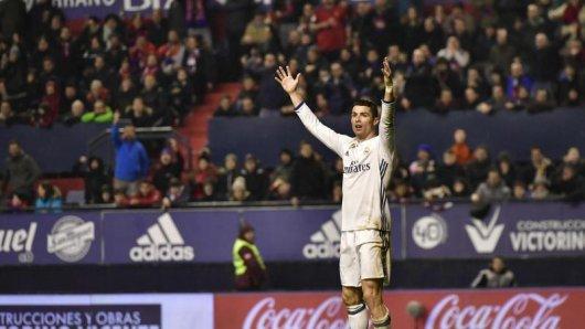 Real Madrids Superstar Cristiano Ronaldo in Jubelpose.