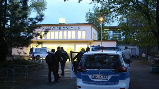 Polizeieinsatz am S-Bahnhof Plänterwald