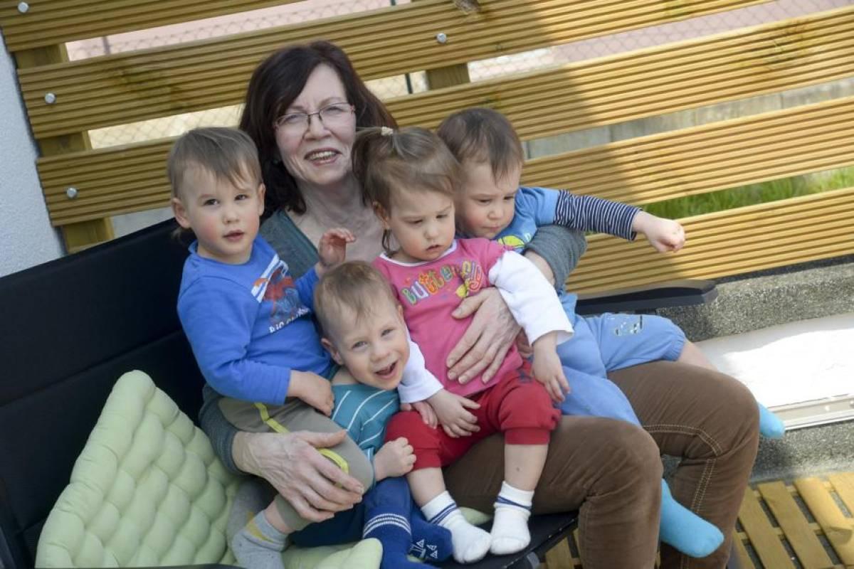 Frühchen Der Berliner Vierlingsmutter Werden Zwei Jahre Alt Berlin