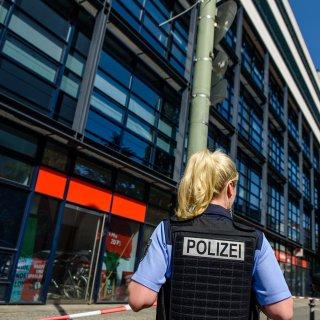 Die SPD-Bundeszentrale im Willy-Brandt-Haus an der Wihlemsstraße in Berlin-Kreuzberg ...