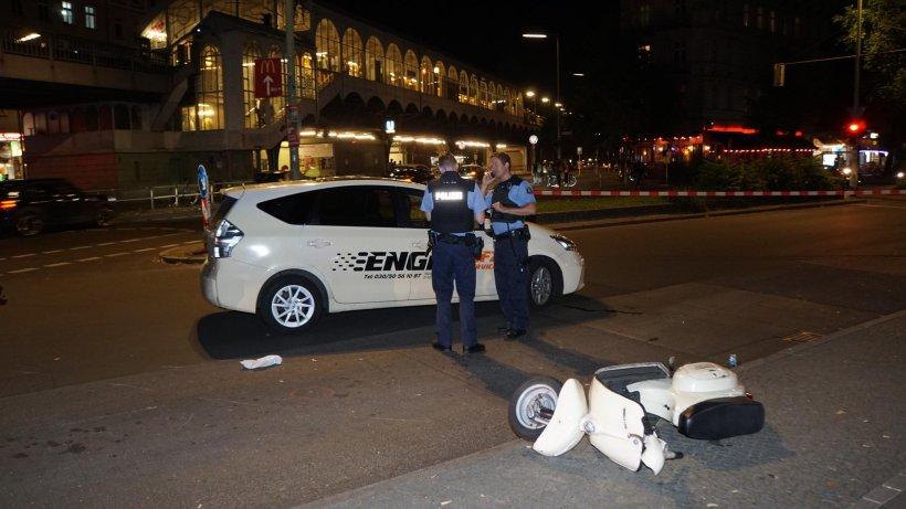 zwei rollerfahrer bei unf llen in berlin schwer verletzt. Black Bedroom Furniture Sets. Home Design Ideas