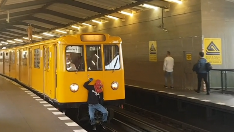 U bahn surfer video